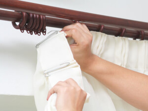 How Much Does It Cost To Install Curtains