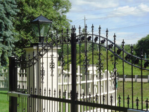 How Much Does It Cost To Install a Driveway Gate