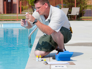 How Much Does a Pool Cleaning Service Cost