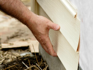 How Much Does Vinyl Siding Repair Cost